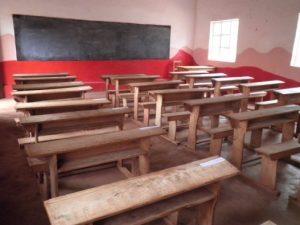 2014 NEW SCHOOL DESKS